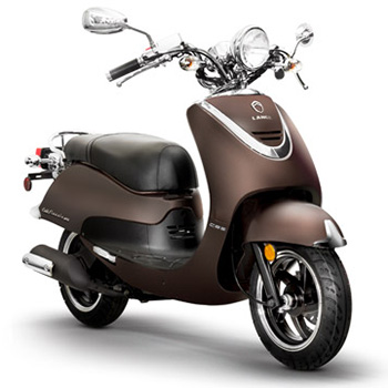 Lance brand scooter model Cali Classic in chocolate, 3/4 view front right